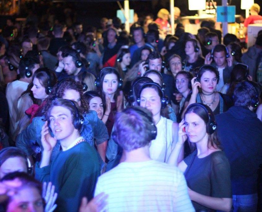 Met silent disco 5 mei vieren bij de Freedom Stage in Vlissingen